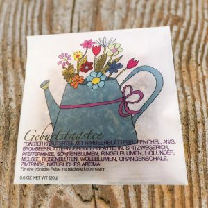 «Giesskanne Geburtstagstee» in Cellophan Couvert